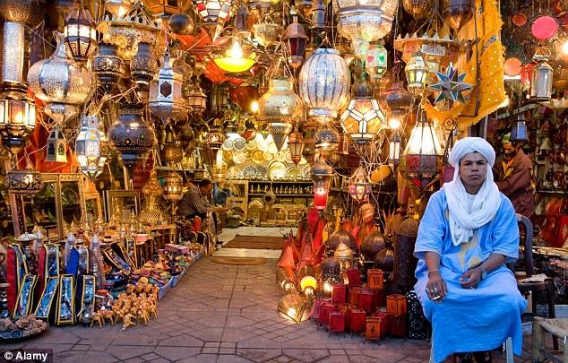 Marrakech-bazar-1632177397
